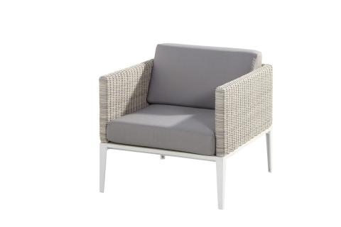 Riviera living chair with 2 cushions